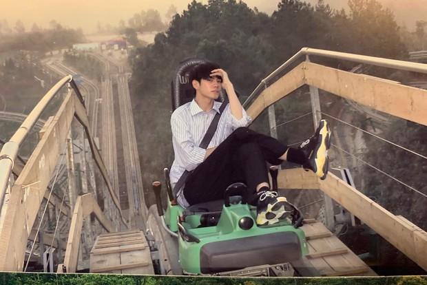 Mỹ nam Wanna One chụp ảnh đón Tết ở Đà Nẵng đẹp như phim, nhưng fan chỉ dán mắt vào cơ bụng của anh chàng - Ảnh 9.