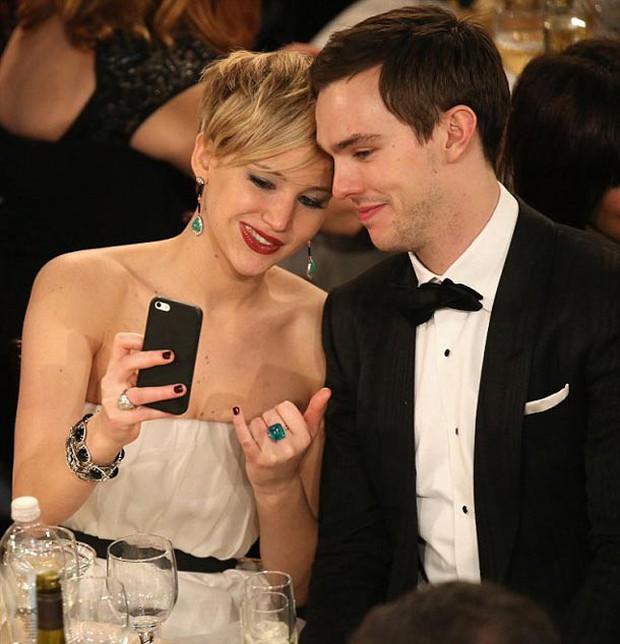 Bí mật hẹn hò bạn trai mới hơn nửa năm, Jennifer Lawrence bất ngờ xác nhận đã đính hôn - Ảnh 4.