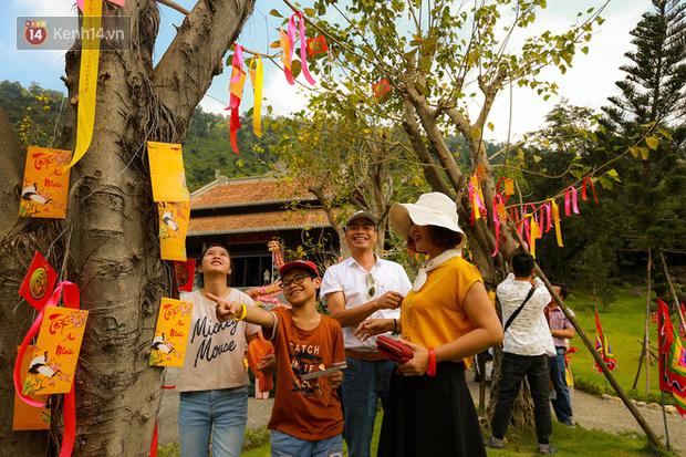 """Người dân hào hứng với """"Lễ hội Thần tài"""" cầu may mắn đầu năm mới ở Đà Nẵng - Ảnh 5."""
