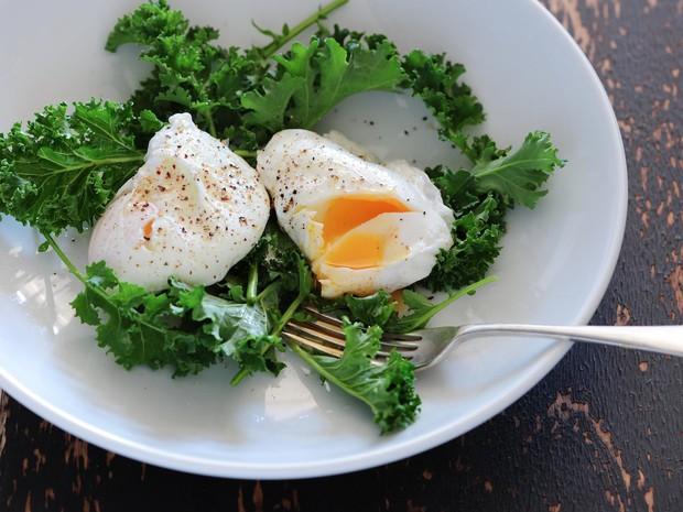 Cải thiện tình trạng tóc thưa mỏng nếu chăm ăn thường xuyên những loại thực phẩm sau - Ảnh 1.