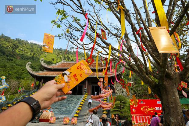 """Người dân hào hứng với """"Lễ hội Thần tài"""" cầu may mắn đầu năm mới ở Đà Nẵng - Ảnh 14."""