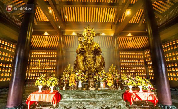 """Người dân hào hứng với """"Lễ hội Thần tài"""" cầu may mắn đầu năm mới ở Đà Nẵng - Ảnh 7."""