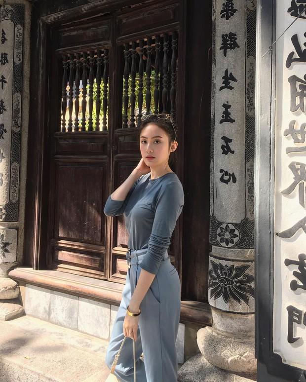 Hot girl Lào gốc Việt Chichi ăn Tết ở Hà Nội, khoe ảnh rạng rỡ ở phố đi bộ - Ảnh 1.