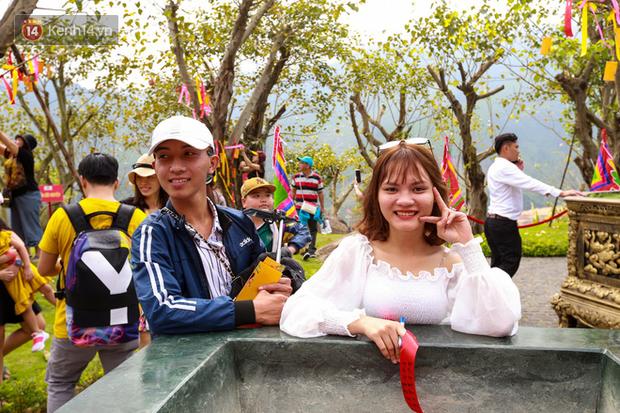 """Người dân hào hứng với """"Lễ hội Thần tài"""" cầu may mắn đầu năm mới ở Đà Nẵng - Ảnh 4."""