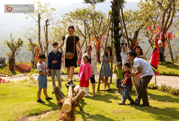 """Người dân hào hứng với """"Lễ hội Thần tài"""" cầu may mắn đầu năm mới ở Đà Nẵng - Ảnh 11."""