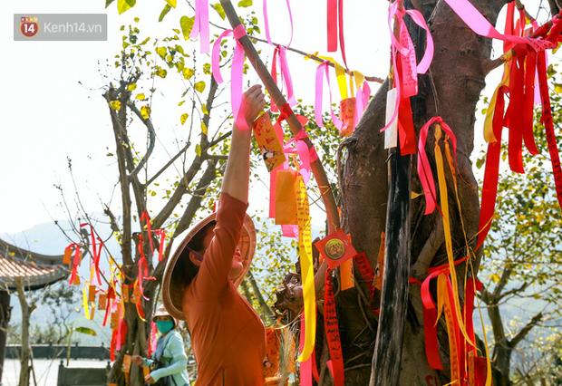 """Người dân hào hứng với """"Lễ hội Thần tài"""" cầu may mắn đầu năm mới ở Đà Nẵng - Ảnh 2."""