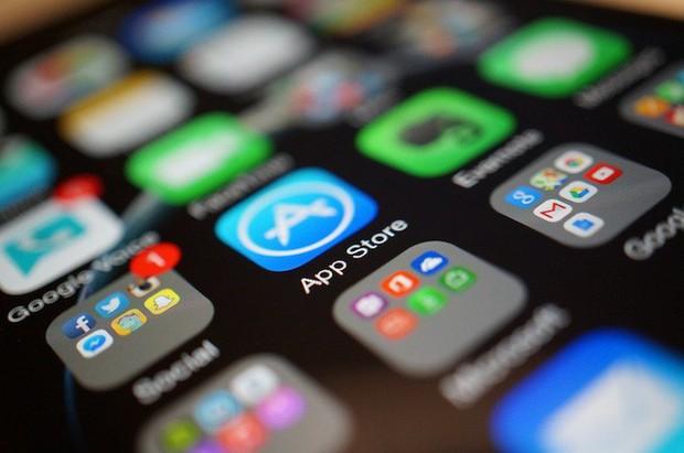 Đầu năm mải ăn bánh chưng, chúng ta không để ý Apple lại leo lên vị trí số 1 thế giới công nghệ rồi - Ảnh 1.