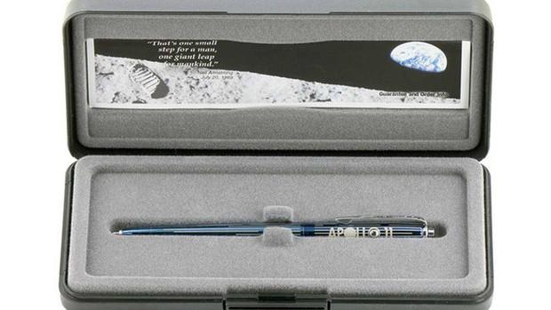 Space Pen - công nghệ bút không gian của NASA đã hơn 50 tuổi nhưng vẫn chạy tốt - Ảnh 1.