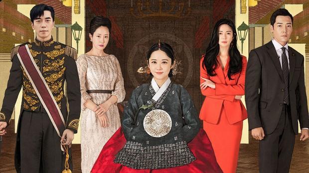 Hình như biên kịch Sky Castle, Hồi ức Alhambra và The Last Empress ở chung nhà, bàn nhau viết kết gây ức chế cho khán giả? - Ảnh 3.