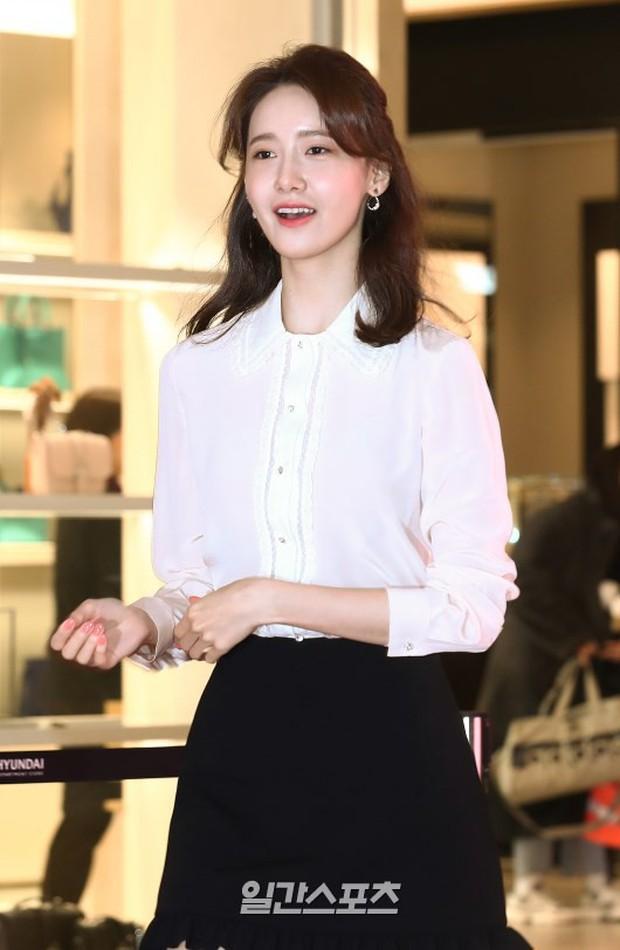 Lâu lắm mới lộ diện, nữ thần Yoona khoe đôi chân dài miên man nhưng lại bị soi loạt khuyết điểm kém xinh tại sự kiện - Ảnh 7.