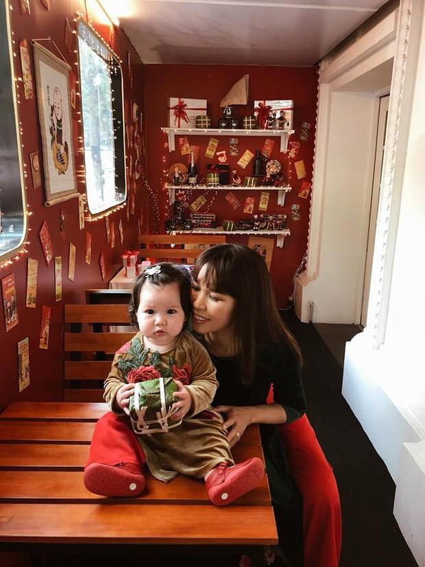 Nào có thua người lớn, nhóc tỳ nhà sao Việt cũng xúng xính diện áo dài, nổi nhất là mẹ con Thu Thảo và Hà Anh - Ảnh 3.
