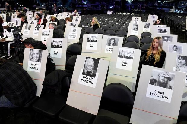 Chỗ ngồi Grammy đã lộ diện: Lady Gaga - Katy Perry ở vị trí bằng nhau, BTS xếp ngang hàng với ai? - Ảnh 2.