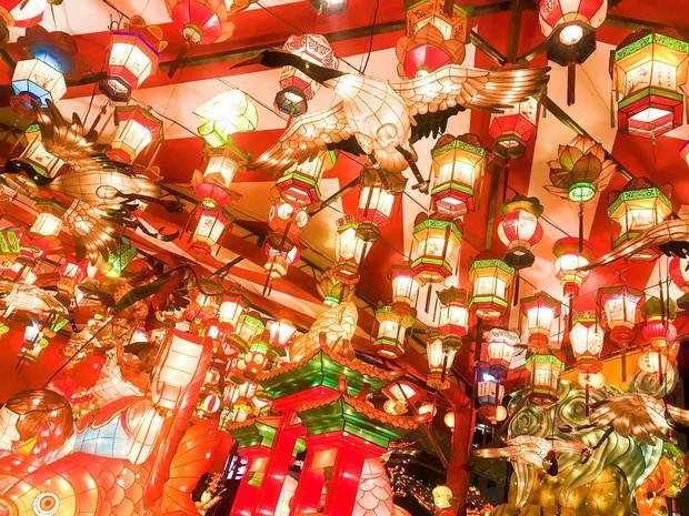 Lễ hội đèn lồng Nhật Bản lung linh như Vùng đất linh hồn đời thực khiến fan anime mê mẩn - Ảnh 6.