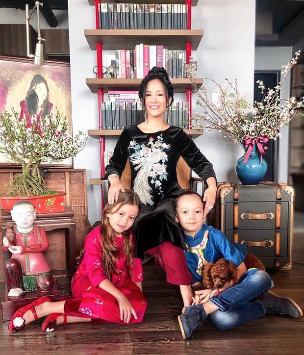 Nào có thua người lớn, nhóc tỳ nhà sao Việt cũng xúng xính diện áo dài, nổi nhất là mẹ con Thu Thảo và Hà Anh - Ảnh 7.