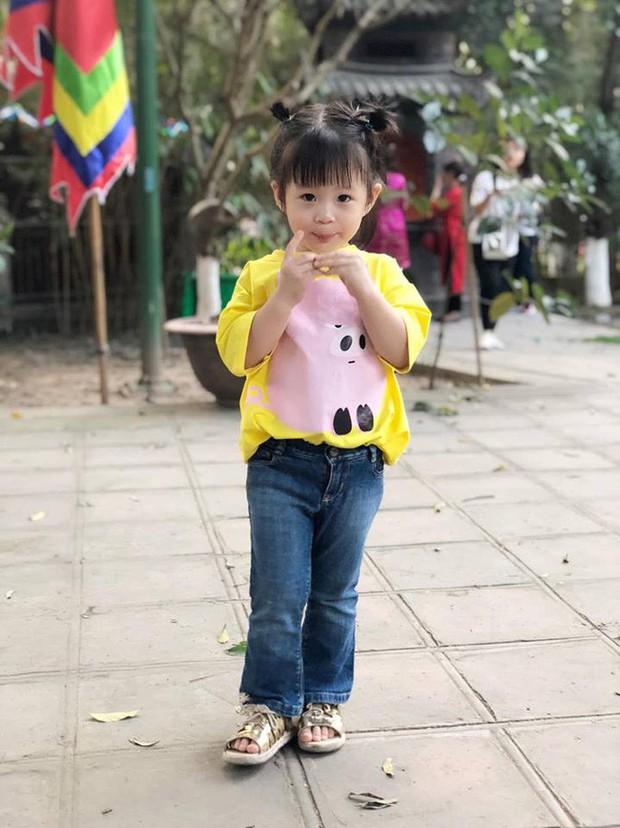 Nào có thua người lớn, nhóc tỳ nhà sao Việt cũng xúng xính diện áo dài, nổi nhất là mẹ con Thu Thảo và Hà Anh - Ảnh 9.
