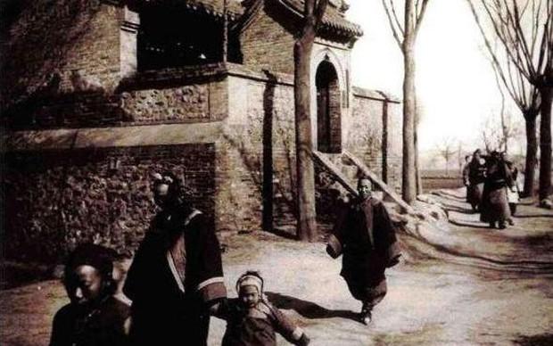 Ảnh hiếm ghi lại cảnh đón Tết của người Trung Quốc dưới thời nhà Thanh hàng trăm năm trước - Ảnh 11.