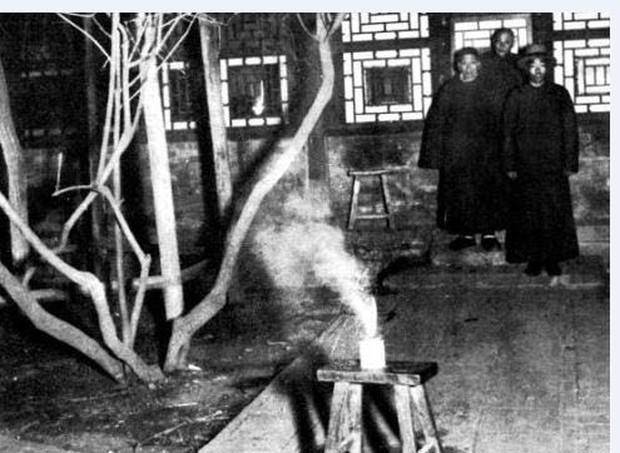 Ảnh hiếm ghi lại cảnh đón Tết của người Trung Quốc dưới thời nhà Thanh hàng trăm năm trước - Ảnh 4.