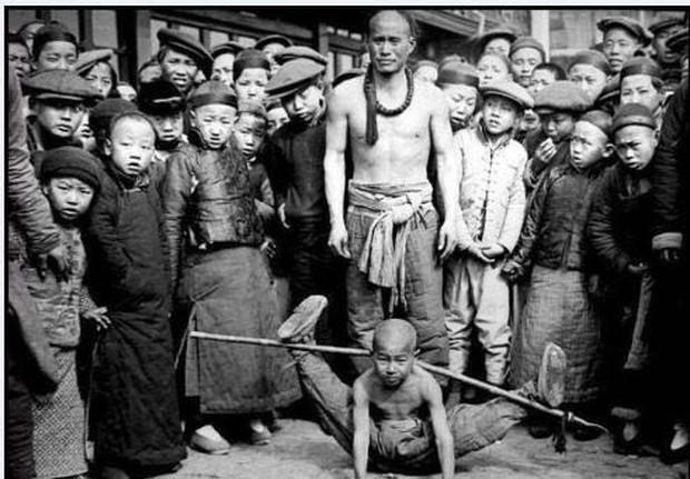Ảnh hiếm ghi lại cảnh đón Tết của người Trung Quốc dưới thời nhà Thanh hàng trăm năm trước - Ảnh 7.