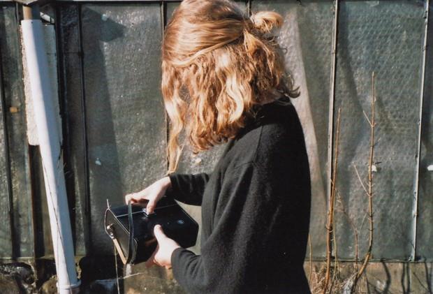 Những sai lầm chẳng ngờ đến khiến mái tóc của bạn luôn xơ xác, thiếu sức sống - Ảnh 4.