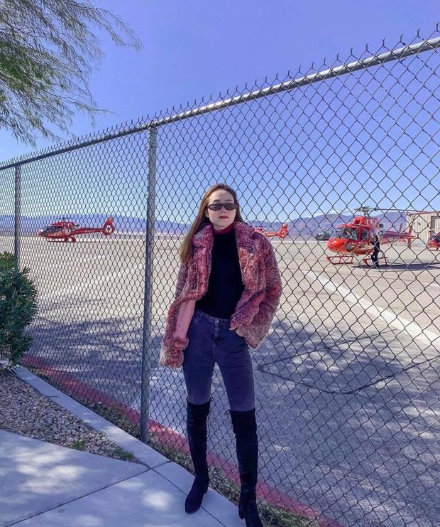 Mỹ nhân Vbiz vi vu Tết Kỷ Hợi: Minh Hằng khám phá Las Vegas bằng trực thăng, Đông Nhi tránh nóng ở Nhật - Ảnh 2.