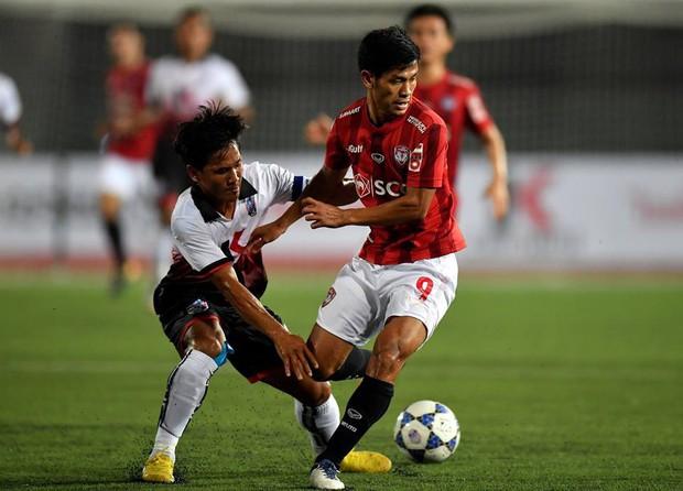 Văn Lâm ngồi dự bị, đội bóng Thái Lan của Lâm Tây bất ngờ bại trận trên đất Campuchia - Ảnh 2.