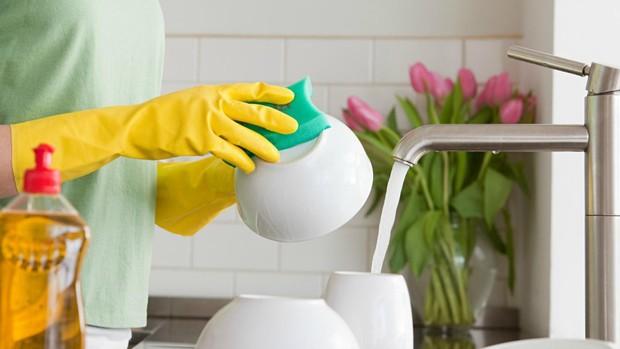 Nếu không muốn móng tay mỏng yếu, dễ bị gãy xước, bong tróc thì nên nhớ những điều sau đây - Ảnh 5.