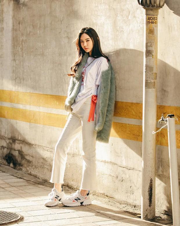 Dịp Tết nếu chưa chụp được kiểu ảnh OOTD chất chơi nào, bạn hãy tham khảo street style sành điệu của giới trẻ Hàn để triển ngay cho kịp - Ảnh 5.