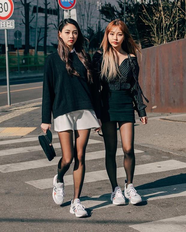 Dịp Tết nếu chưa chụp được kiểu ảnh OOTD chất chơi nào, bạn hãy tham khảo street style sành điệu của giới trẻ Hàn để triển ngay cho kịp - Ảnh 6.
