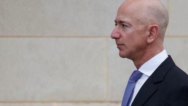 Thám tử tư của Jeff Bezos tin rằng có nhân vật chính phủ đã ăn trộm tin nhắn của CEO Amazon - Ảnh 1.