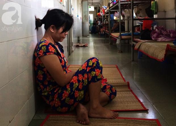 Chồng và con gái bỏng rất nặng, người phụ nữ nuôi bệnh xuyên suốt Tết Nguyên Đán, đã mắc nợ gần 200 triệu đồng - Ảnh 7.