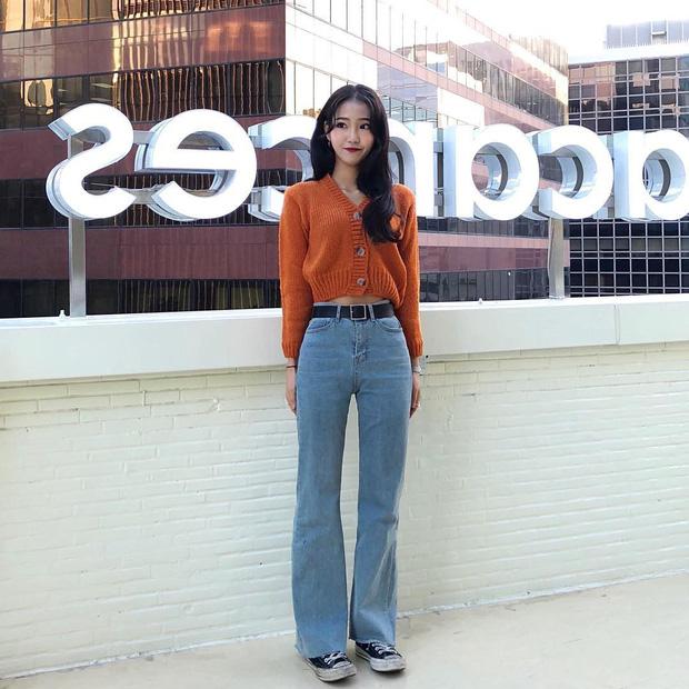 Dịp Tết nếu chưa chụp được kiểu ảnh OOTD chất chơi nào, bạn hãy tham khảo street style sành điệu của giới trẻ Hàn để triển ngay cho kịp - Ảnh 1.