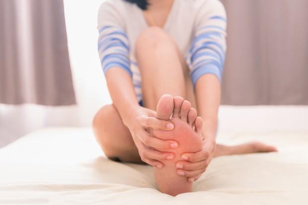 Chuột rút hoặc đau nhức cơ sau khi làm chuyện ấy: có nhiều nguy cơ bệnh sinh dục mà bạn cần phải để ý - Ảnh 1.