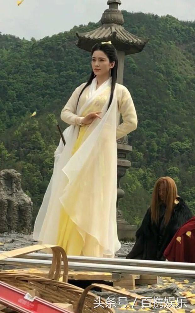 So thần thái của hậu duệ Tiểu Long Nữ: Kẻ bay như chim, người làm lố trong Ỷ Thiên Đồ Long Ký - Ảnh 9.