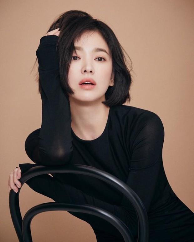 Tiêu chuẩn chọn mỹ nhân đẹp nhất showbiz Hàn, Trung, Nhật: Điểm chung nằm ở mắt, đại diện Nhật hack tuổi quá đỉnh - Ảnh 5.