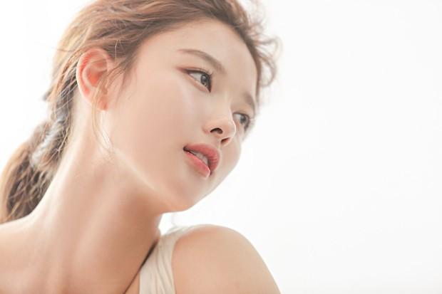 Kim Yoo Jung 20 tuổi xinh đẹp đến nữ thần cũng phải kiêng dè - Ảnh 9.
