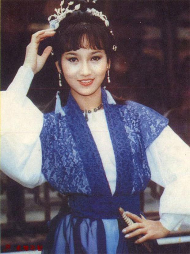 Muôn vẻ Chu Chỉ Nhược qua các thời kì: Cô 2009 như mẹ Trương Vô Kỵ, nàng 2019 xinh như nữ thần! - Ảnh 2.