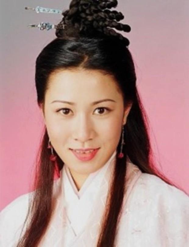 Muôn vẻ Chu Chỉ Nhược qua các thời kì: Cô 2009 như mẹ Trương Vô Kỵ, nàng 2019 xinh như nữ thần! - Ảnh 10.