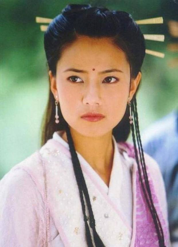 Muôn vẻ Chu Chỉ Nhược qua các thời kì: Cô 2009 như mẹ Trương Vô Kỵ, nàng 2019 xinh như nữ thần! - Ảnh 11.