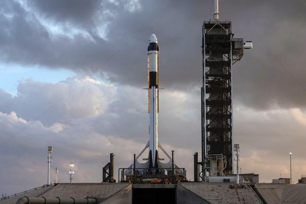 Long Đội - con tàu đầu tiên SpaceX kết hợp cùng NASA sắp được phóng và bạn có thể theo dõi trực tiếp - Ảnh 2.