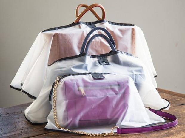 Sắm ngay áo mưa cho túi xách giúp chị em tự tin ra đường trong những ngày mưa nắng ẩm ương - Ảnh 3.