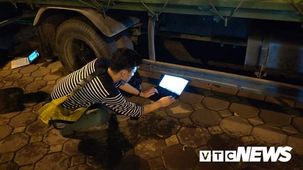 Ảnh: Đoàn Triều Tiên họp báo giữa đêm, hàng trăm phóng viên đội mưa chờ ngoài cổng khách sạn - Ảnh 8.