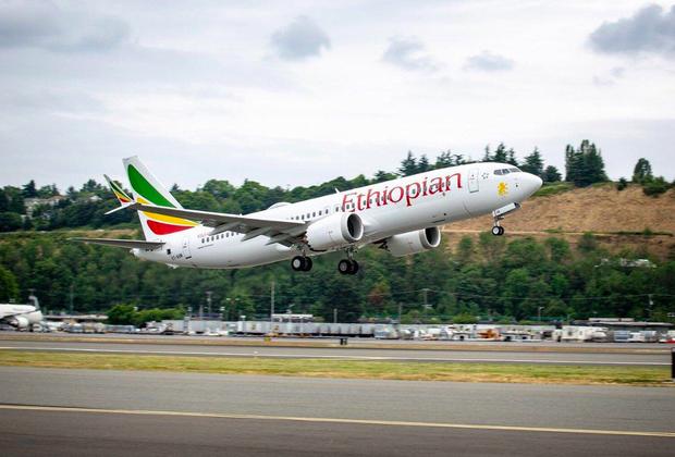 Rơi máy bay ở Ethiopia: Thấy bảng hạ cánh an toàn, người thân vui mừng ngóng đợi thì bàng hoàng nhận tin dữ - Ảnh 1.
