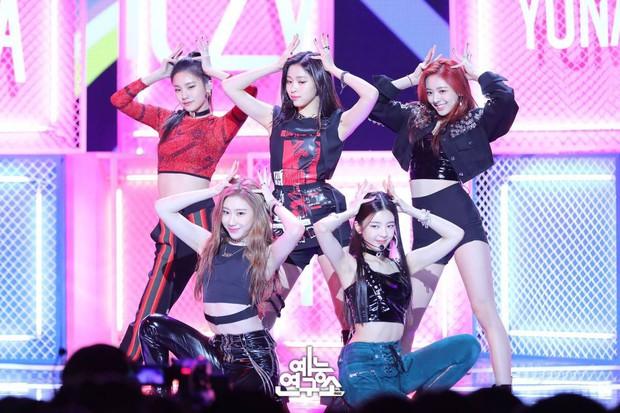 Top girlgroup hot nhất hiện nay: Tân binh ITZY gây choáng khi đánh bật TWICE, Black Pink giữ ngôi vương mặc ồn ào - Ảnh 2.
