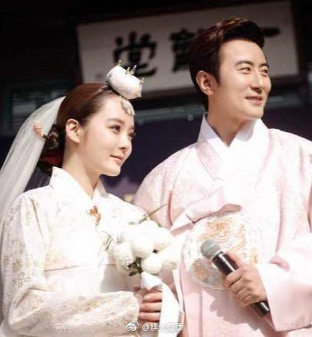 Bị đồn bí mật ly hôn vì chồng trẻ Cao Tử Kỳ ngoại tình, Chae Rim đáp trả dư luận như thế nào? - Ảnh 1.