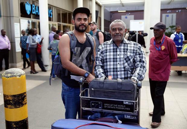 Hai hành khách may mắn thoát khỏi thảm kịch máy bay Ethiopia rơi vì đến muộn và trục trặc khi mua vé - Ảnh 2.
