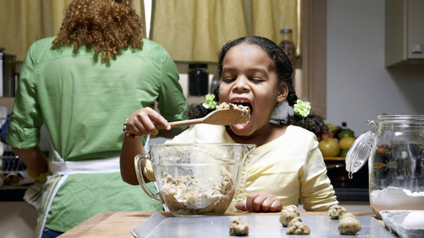 Ăn bột bánh sống: thú vui nghe ghê ghê nhưng có thật của người Mỹ - Ảnh 3.