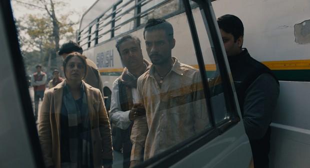 Netflix tái hiện vụ hiếp dâm tập thể rúng động cả thế giới tại Ấn Độ trong Delhi Crime - Ảnh 4.