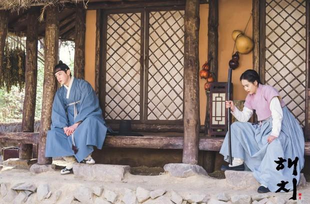 Rating ảm đạm đầu tuần, biên kịch Hàn đồng loạt muốn tống nam chính vào tù ở 4 phim cùng một lúc! - Ảnh 8.