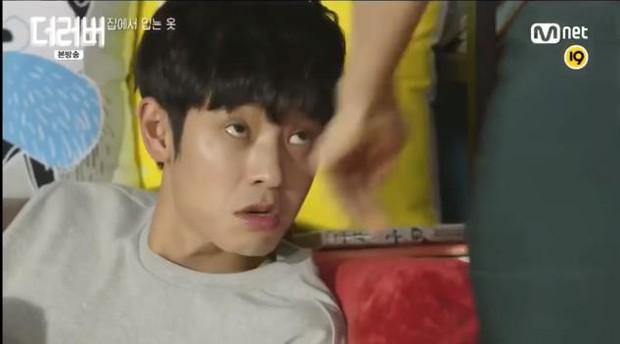 Rùng mình khi xem lại những thước phim phản cảm của bạn thân Seungri sau loạt phốt chấn động - Ảnh 9.
