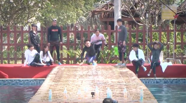 Running Man Vietnam tung clip nhá hàng: Dàn sao Việt vật lộn, xé bảng nhau cực căng! - Ảnh 2.